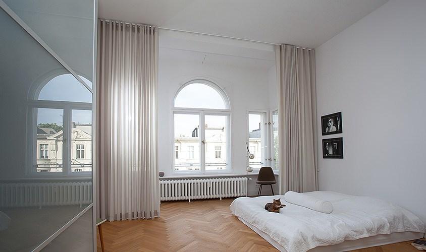 Maßgefertigt Vorhänge von thecurtainshop.de mit Wellenoptik in Berlin Charlottenburg